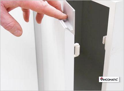 Rincomatic roller catch corner cabinet